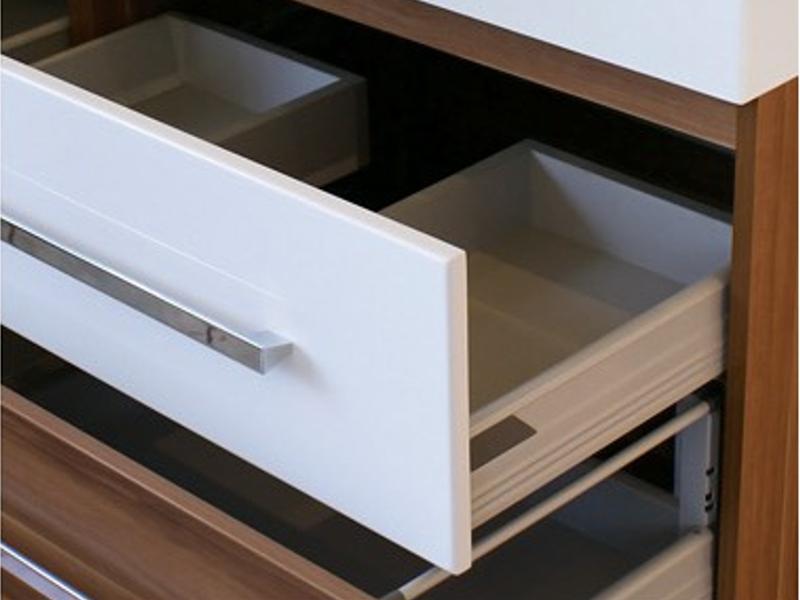 design badezimmermoebel set mit  spiegelschraenken und