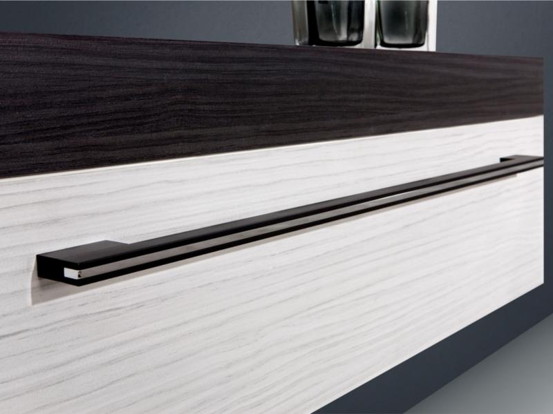 design badezimmerm bel set mit waschtischplatte und mineralgusswachtisch paul gottfried. Black Bedroom Furniture Sets. Home Design Ideas