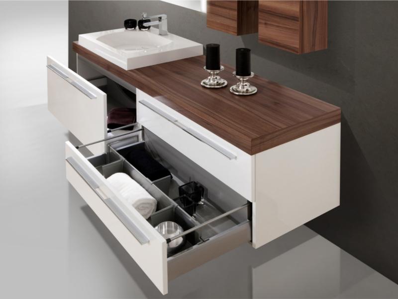 design badezimmerm bel set mit waschtischplatte und. Black Bedroom Furniture Sets. Home Design Ideas