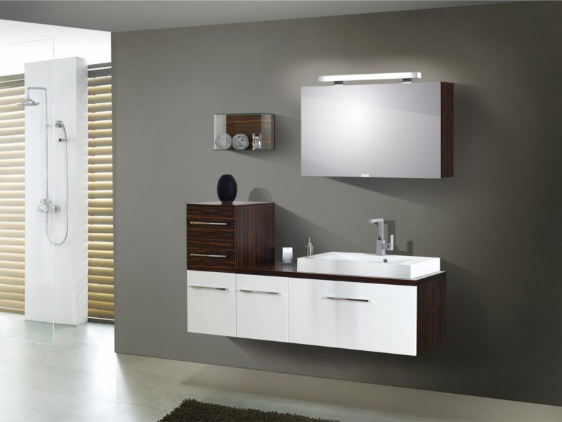 design badezimmerm bel set mit waschtischplatte und spiegelschrank paul gottfried. Black Bedroom Furniture Sets. Home Design Ideas